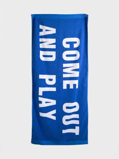 [BLUE BEACH TOWEL]COME OUT AND PLAY